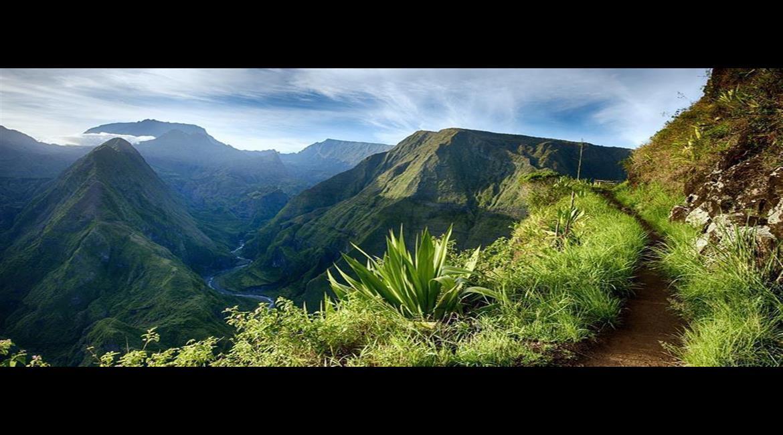 La Réunion, terre de randonnée formidable proposée par IGN