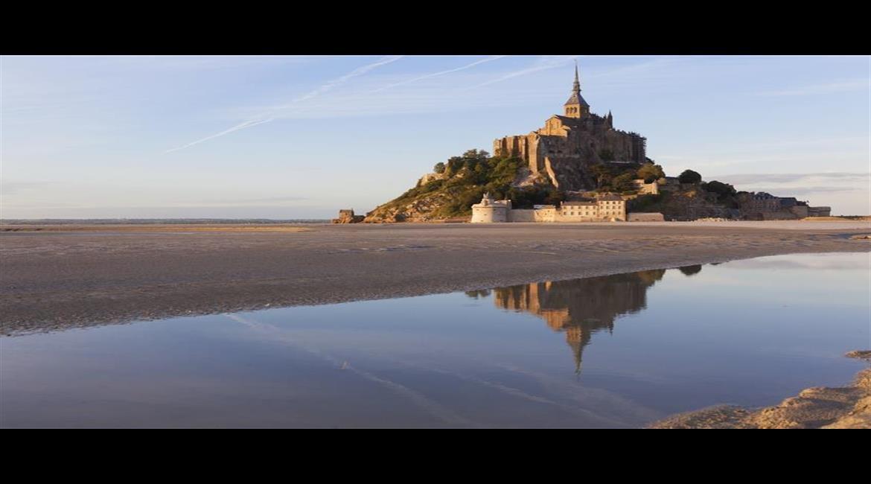 Les GR®  normands et bretons ont fait leur jonction au Mont-Saint-Michel